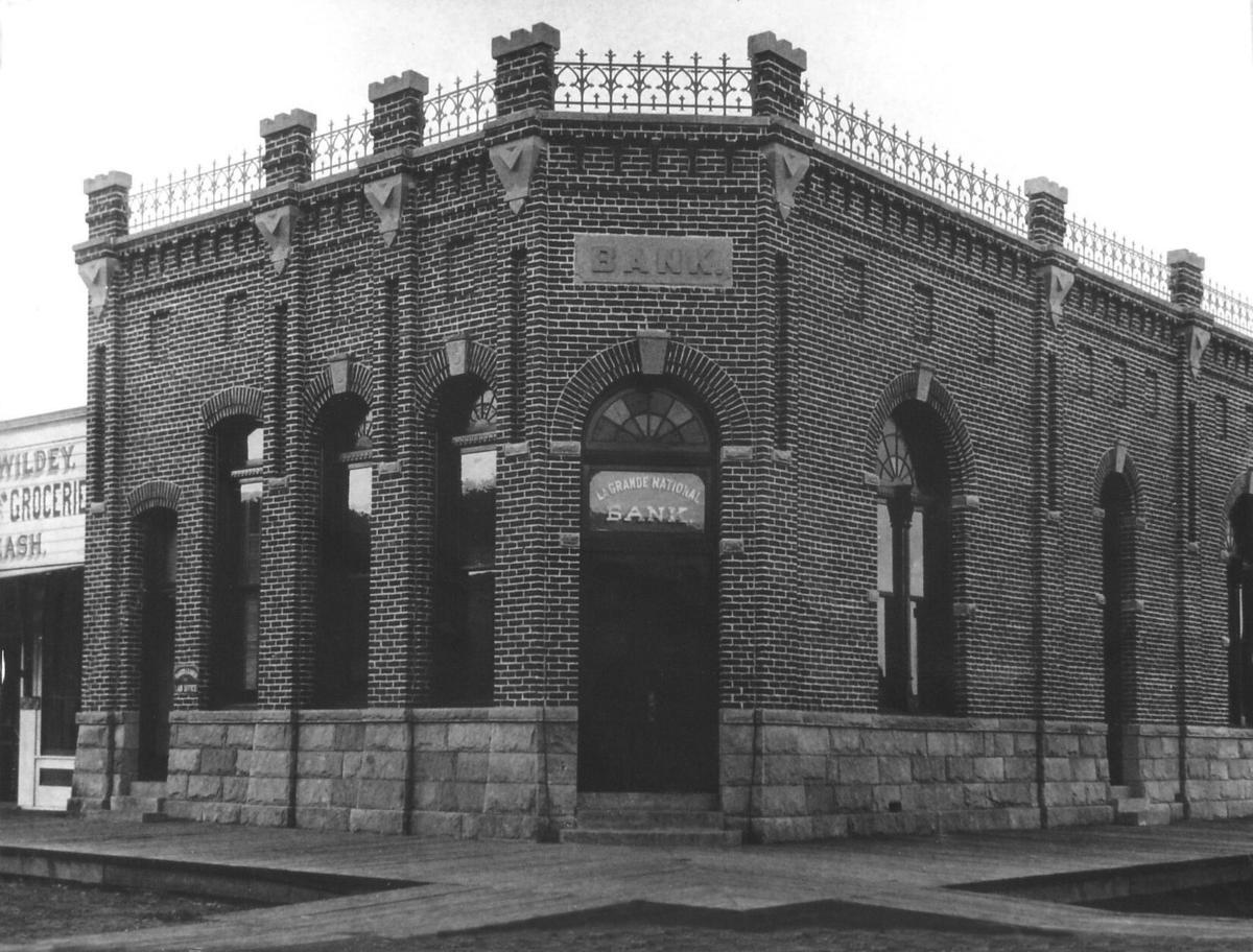 La Grande National Bank Bef 1906-Sm.jpg