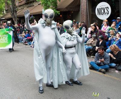 051915 alien fest7BW.jpg