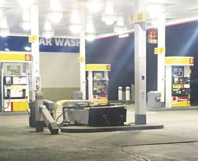 Baker City gas station.jpg