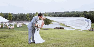 Lake Weddings: Love at the Lake
