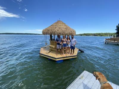 Tiki boat 0620 Lake u.JPG