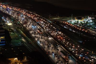 traffic-jam-1703575.jpg