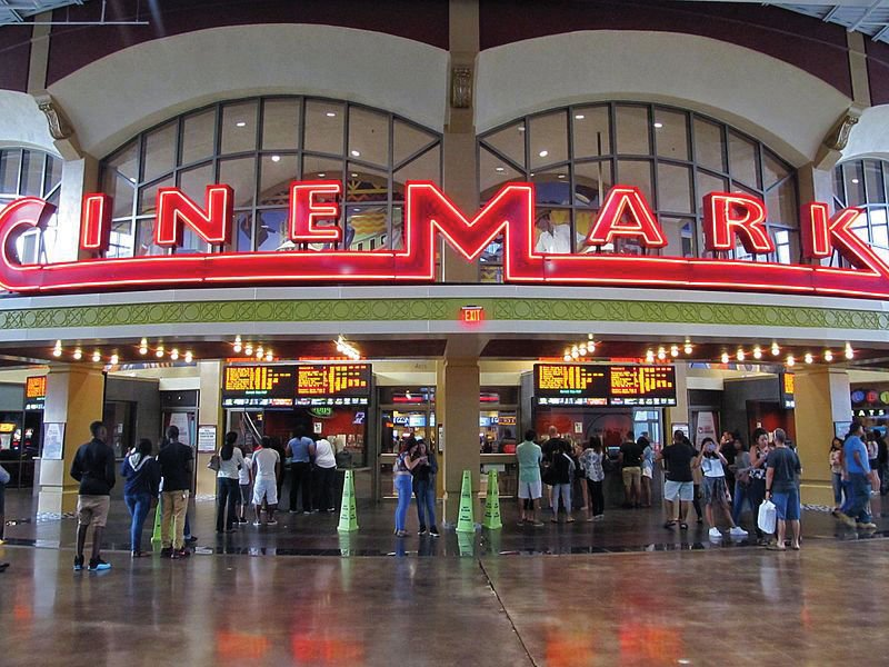 Cinemark Playa Vista
