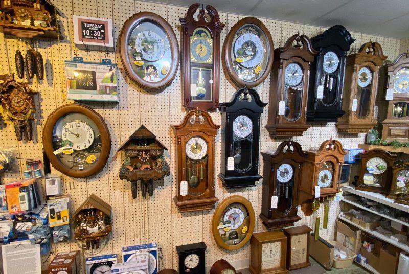 LF20200704-hurst clocks05.jpg