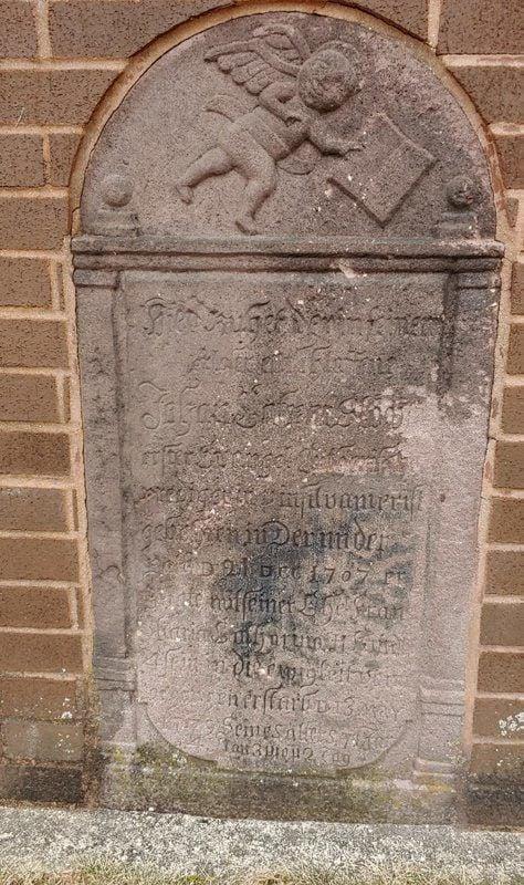 gravestone-hist05.jpg
