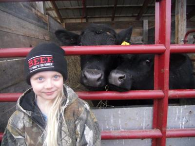 LF@0190330-Steer-Girl-1.jpg