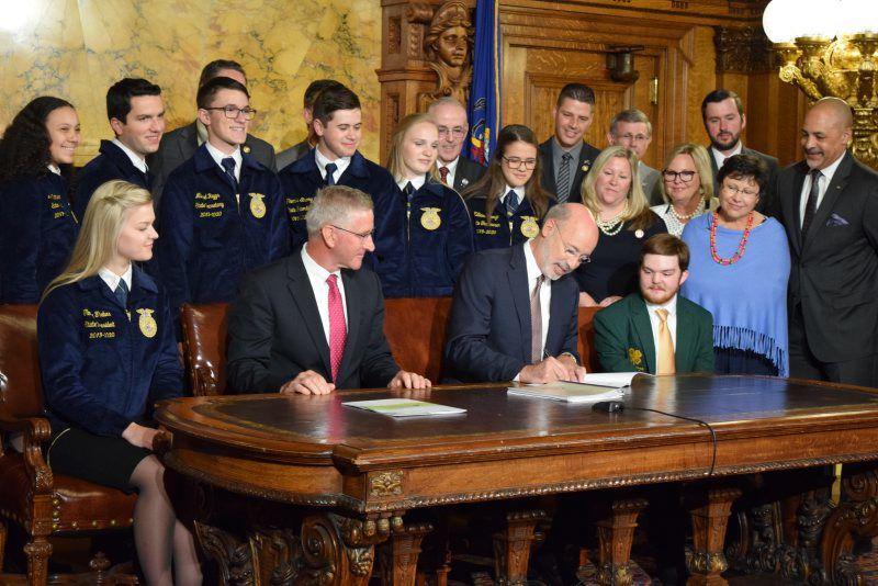 Farm-Bill-Signing-2.jpg