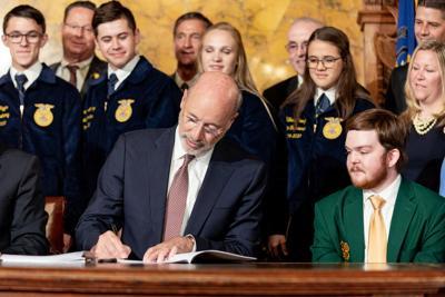 Gov. Wolf Signs Farm Bill in 2019