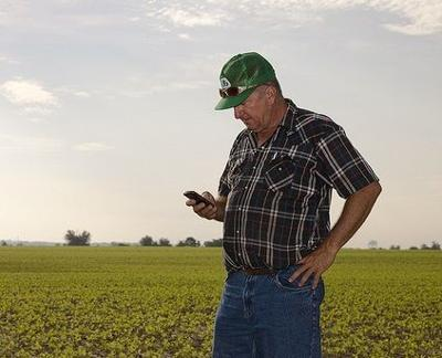 Apps: Precision Ag Meets Smartphones and Tablets