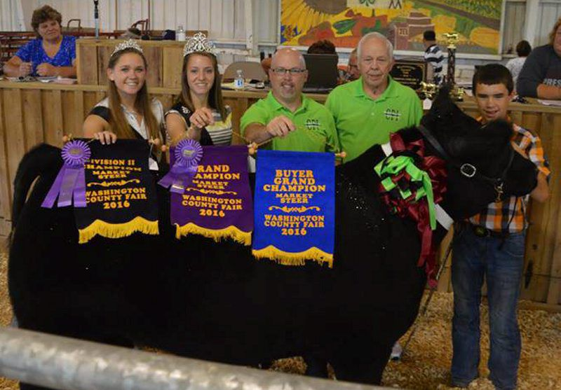 Washington County Livestock Sale Undampened by Rain | Farm Shows