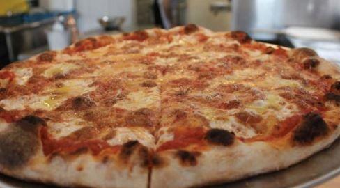 Pizzeria Beddia pizza