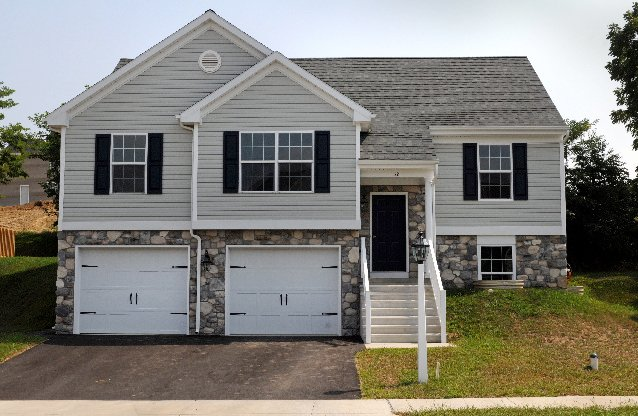 Bilevels are back news for Manheim floor plan