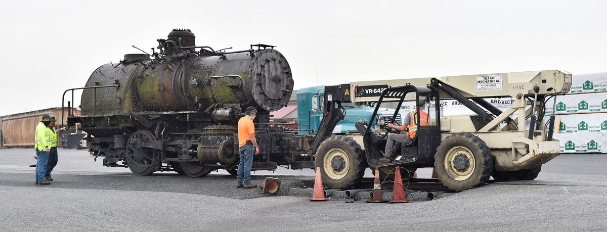 Steam Locomotive 2.jpg