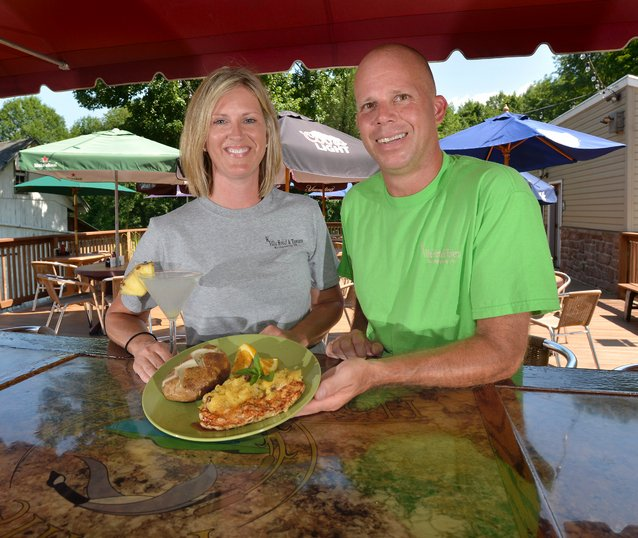 Food and fun by plate and basket at the K-Ville Hotel & Tavern