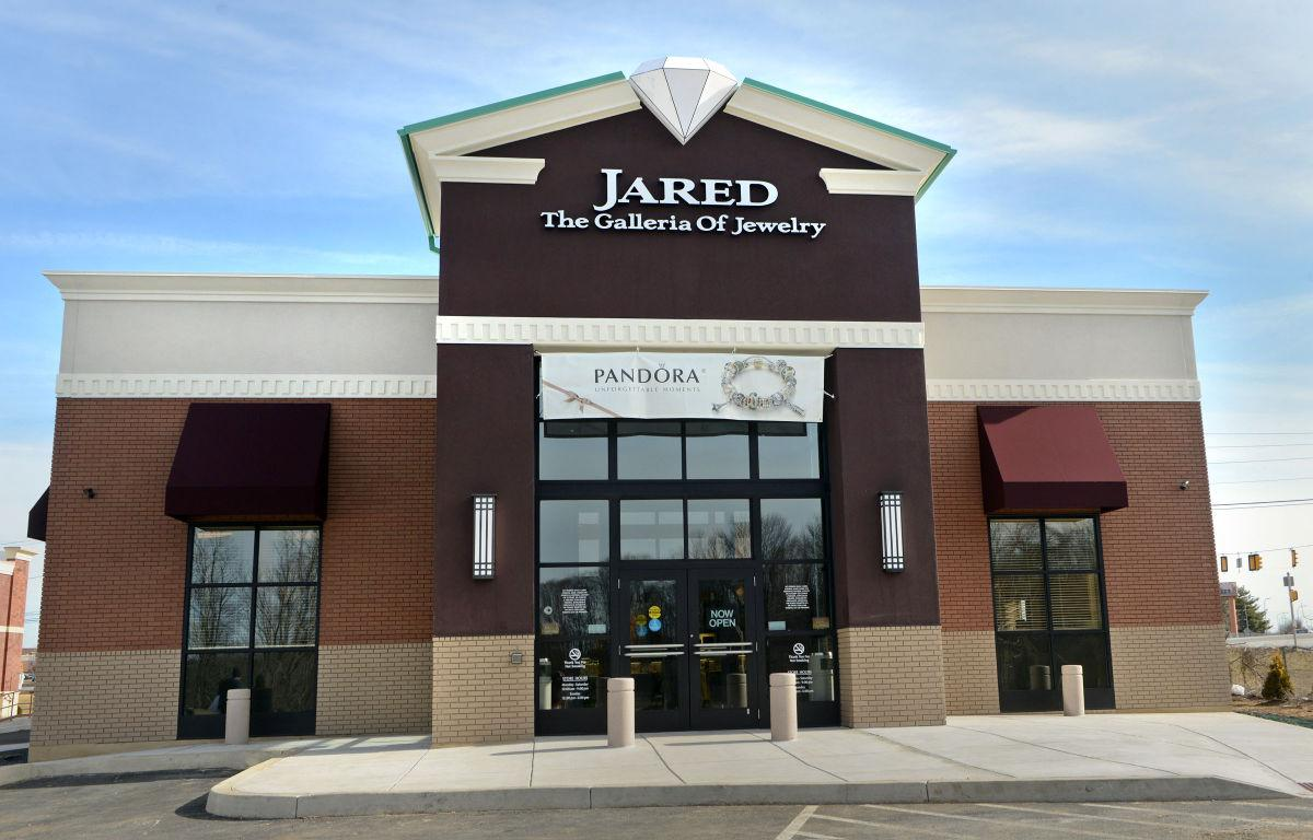 Jared the galleria of jewelry opens store in lancaster for Jared jewelry store website