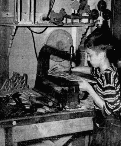 building a whatnot, 1941