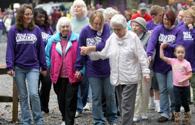 Chicago's Walk To End Alzheimer's Raises $1M