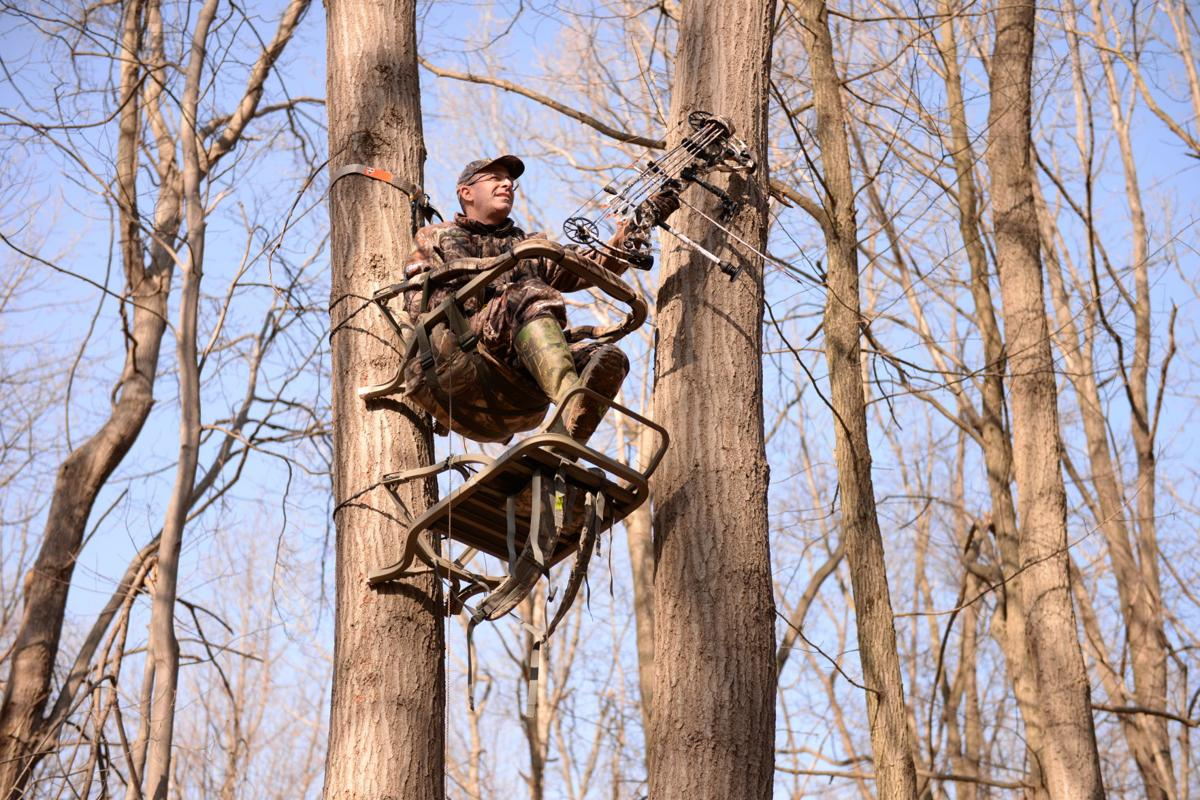 Tree stand accidents increase even as hunter numbers for Tree stand pictures