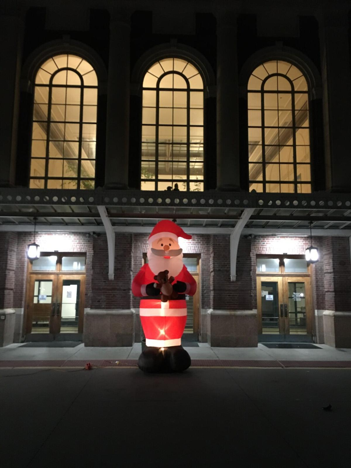 Inflatable Santa D25 (9).jpg