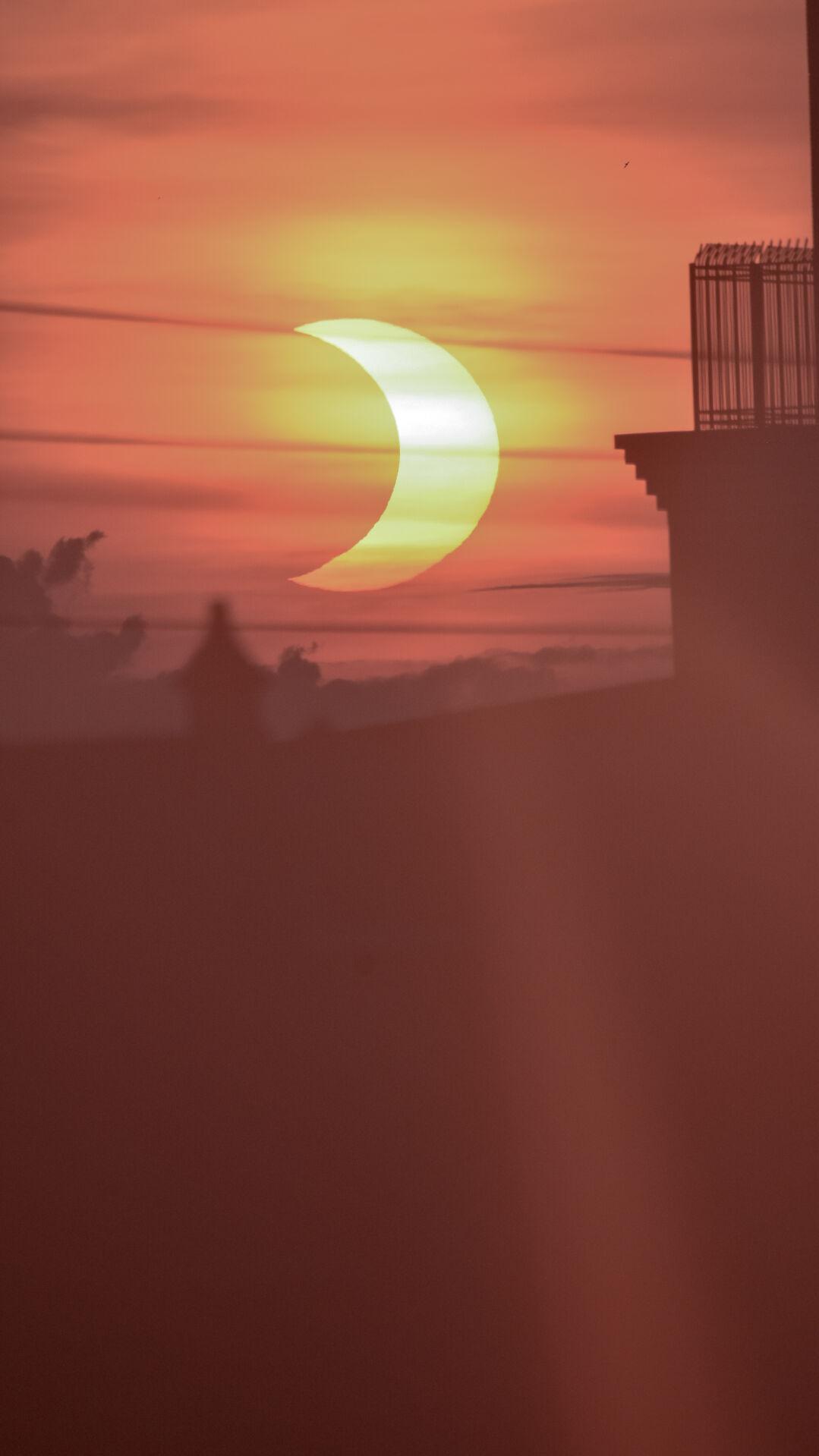 Solar Eclipse Sunrise Lancaster 06.10.21 Ange Horst-1.jpg