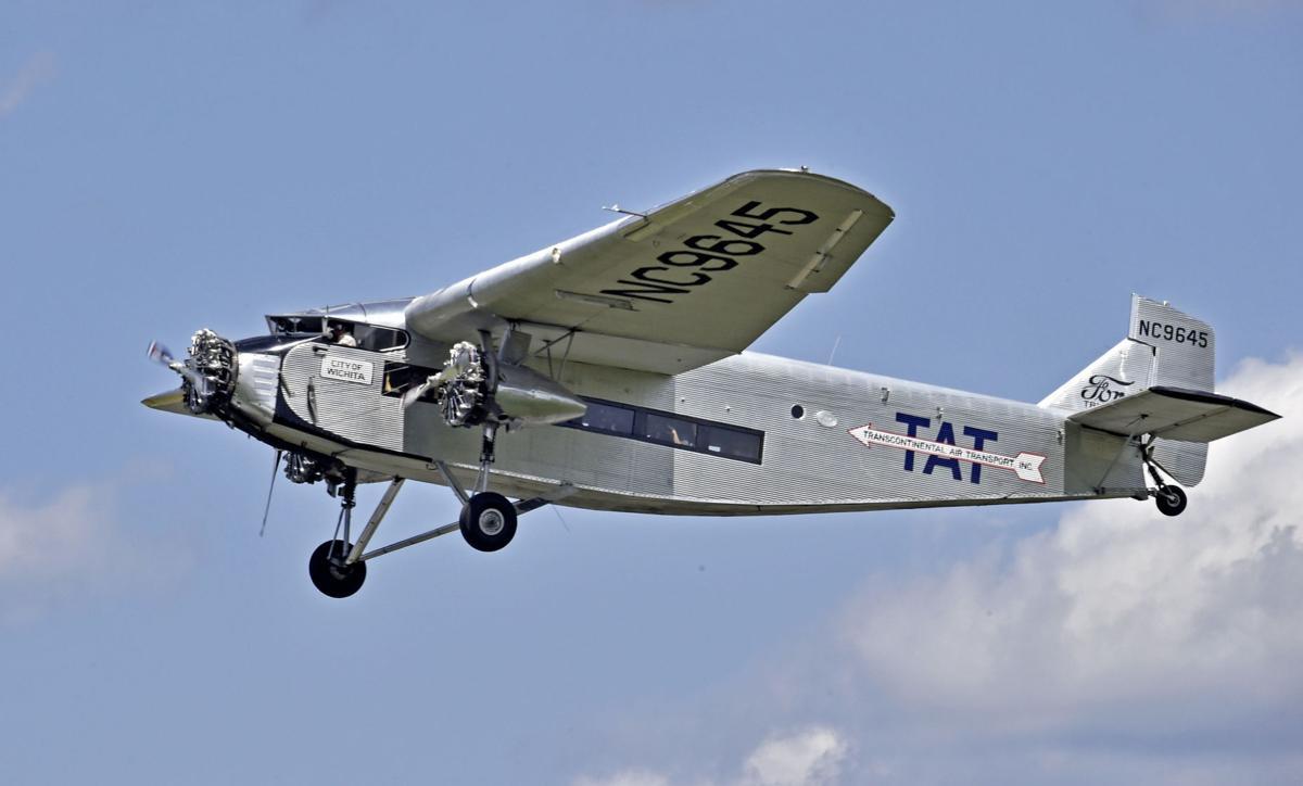 Tri-motor plane