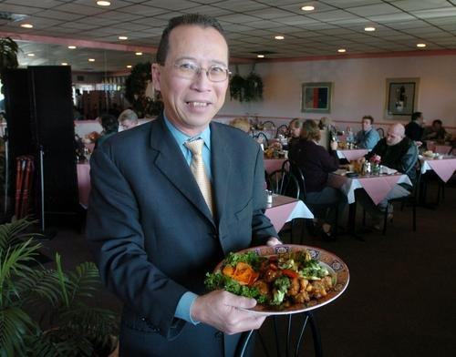 DINING ON A DIME: Tony's place / The sauces are homemade, and the water glass is never half-full