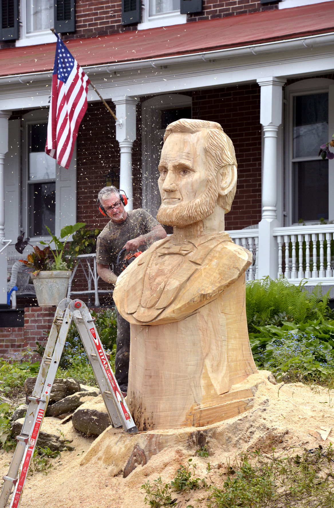 Lincoln Carving03 Jpg
