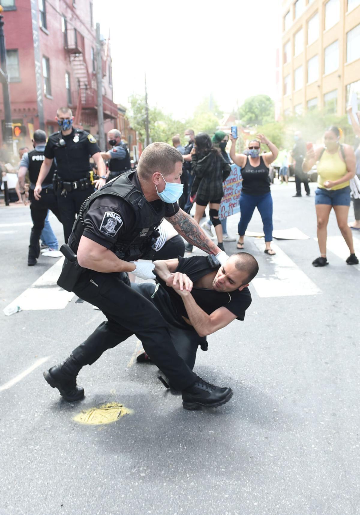 PoliceProtest002.jpg