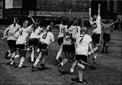 Hempfield girls soccer 2000