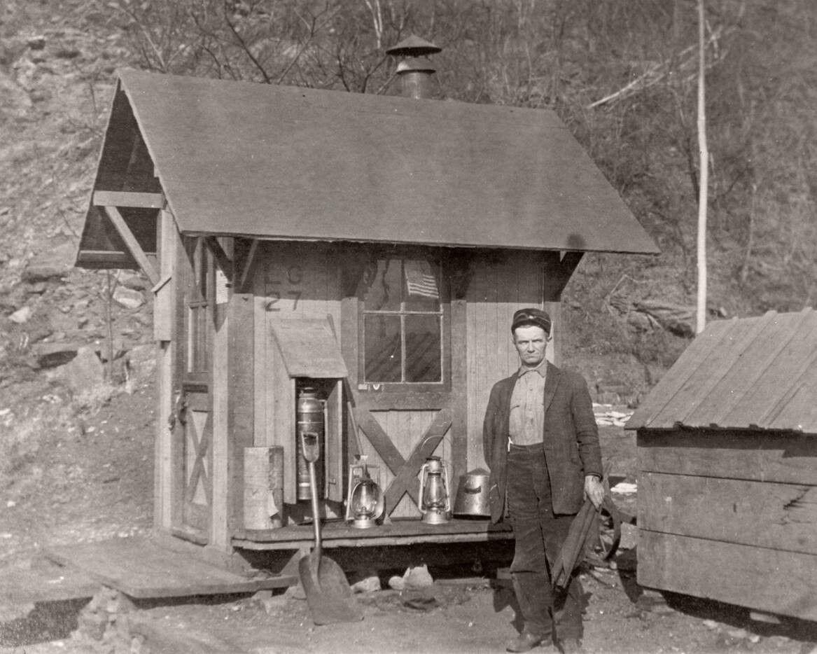 Safe Harbor watch box hut