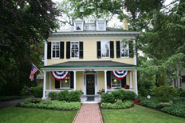 The American Foursquare: Prairie And Craftsmen Styles Responsible For  Popular, Boxy Homes