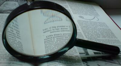 magnifying glass look up dictionary