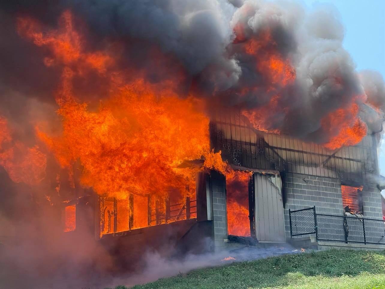 Barn fire Pequea Township