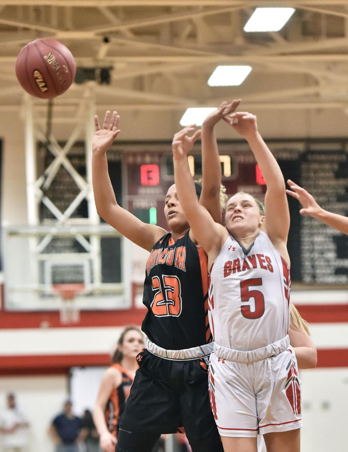 pequea girls The pequea valley girls' basketball team had to settle for fourth place in the district three class-aa playoffs, suffering a close 48-47 loss to delone catholic in the district consolation match at warwick on tuesday night.