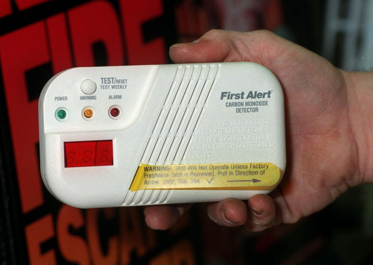 how to clear carbon monoxide from house