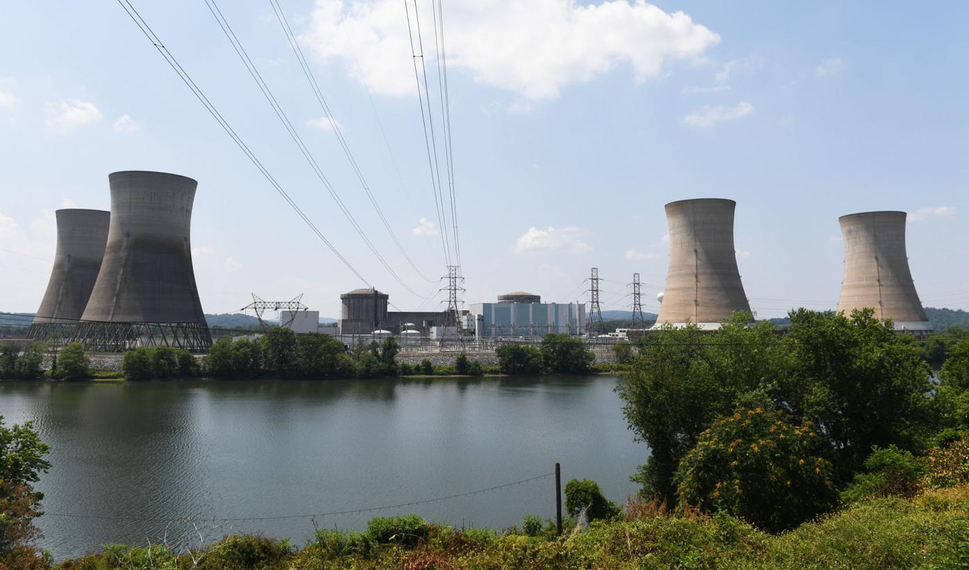 ThreeMileIslandNuclear001.jpg