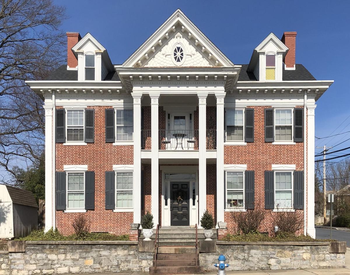 Abraham N Cassel Mansion c1852 Classical Revival Marietta (4).JPG