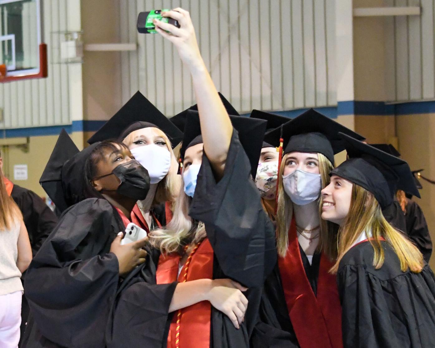 Warwick Graduation 060721-1.jpg
