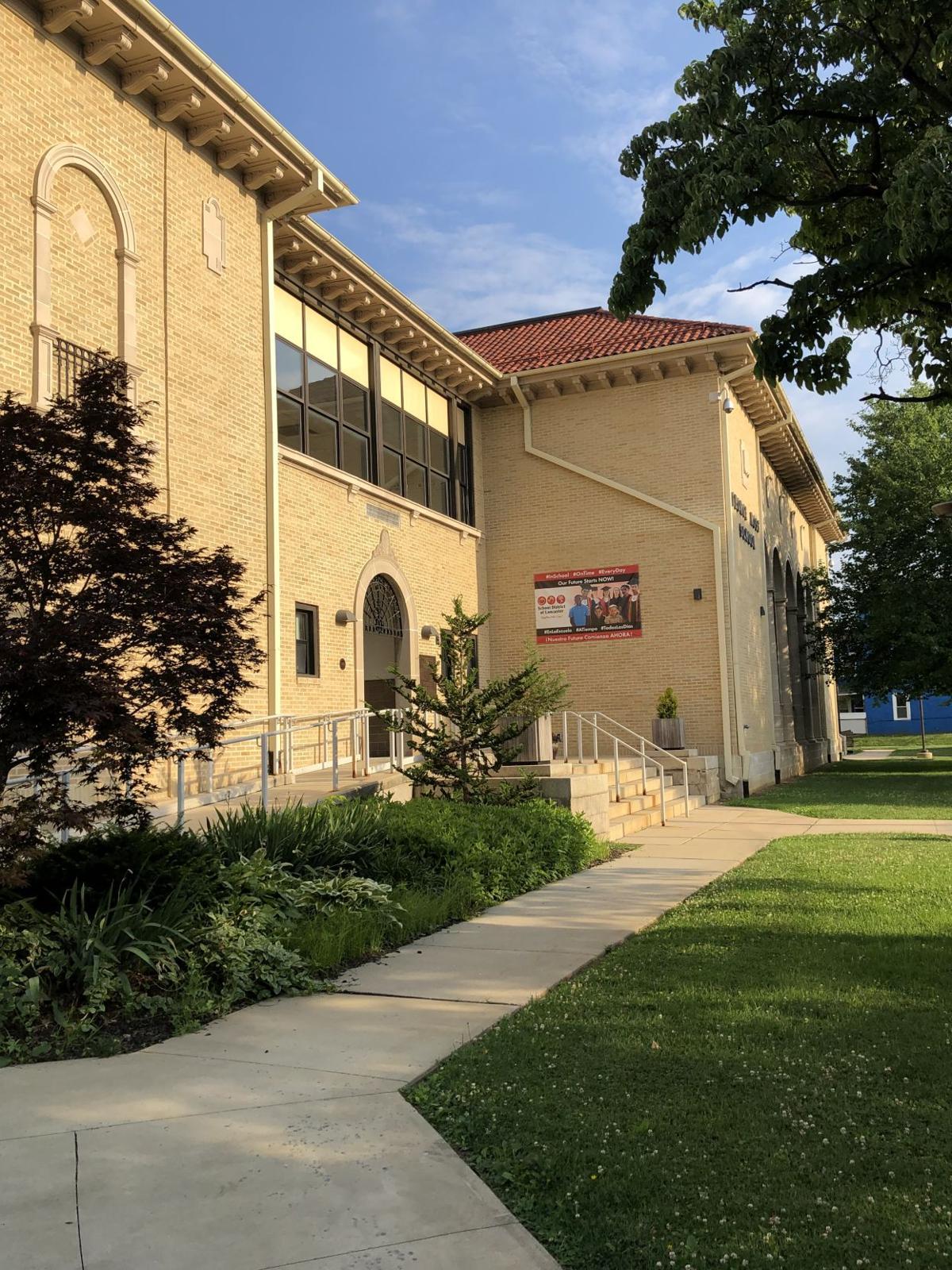 George Ross Elementary School.jpg