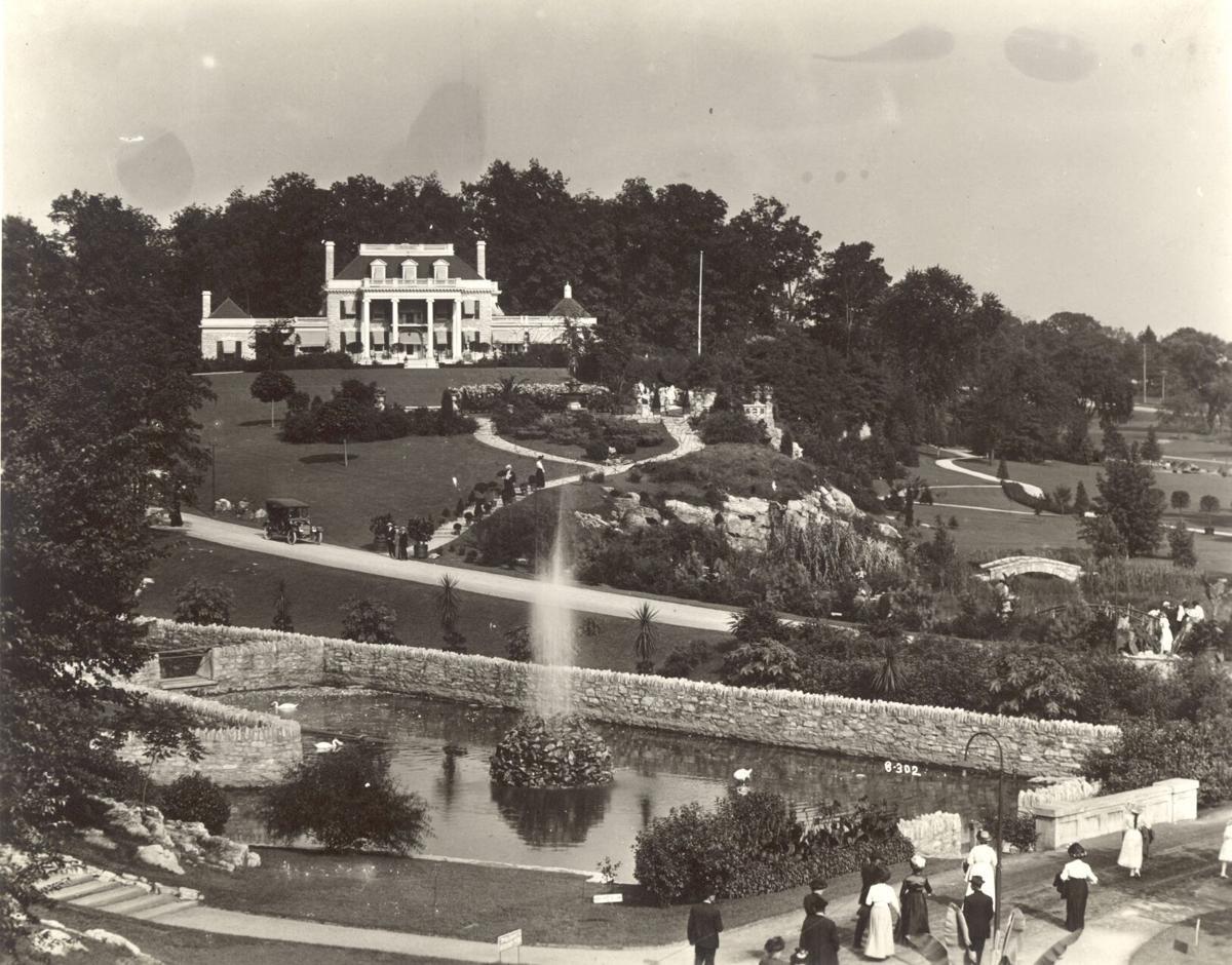 Liv Hershey Mansion Vintage 1 D20.jpg