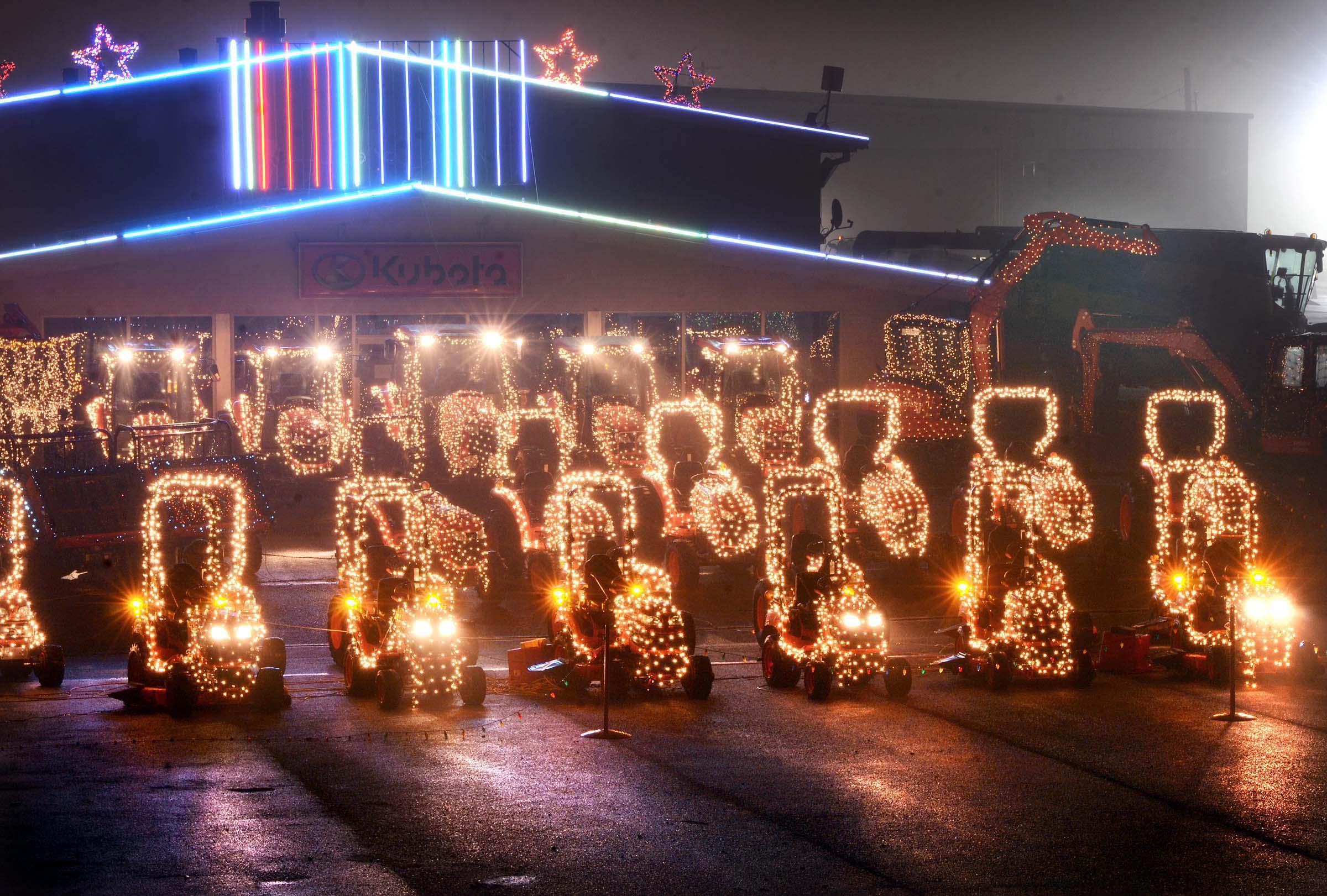 Messick Christmas Lights 2021 Messick S Christmas Light Show In Elizabethtown Opens Friday Raises Money For Charities Entertainment Lancasteronline Com