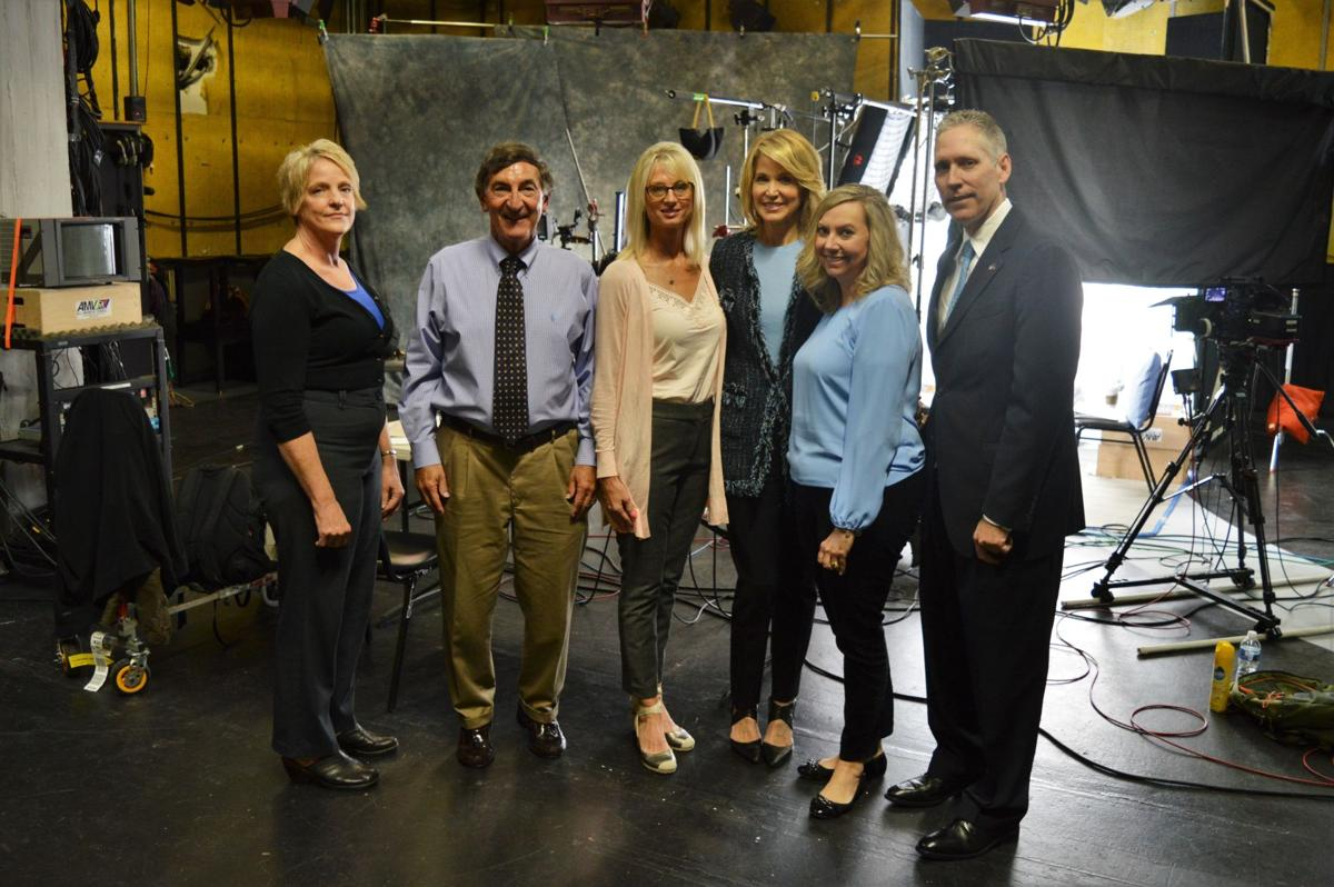ON THE CASE WITH PAULA ZAHN GROUP PHOTO MIRACK
