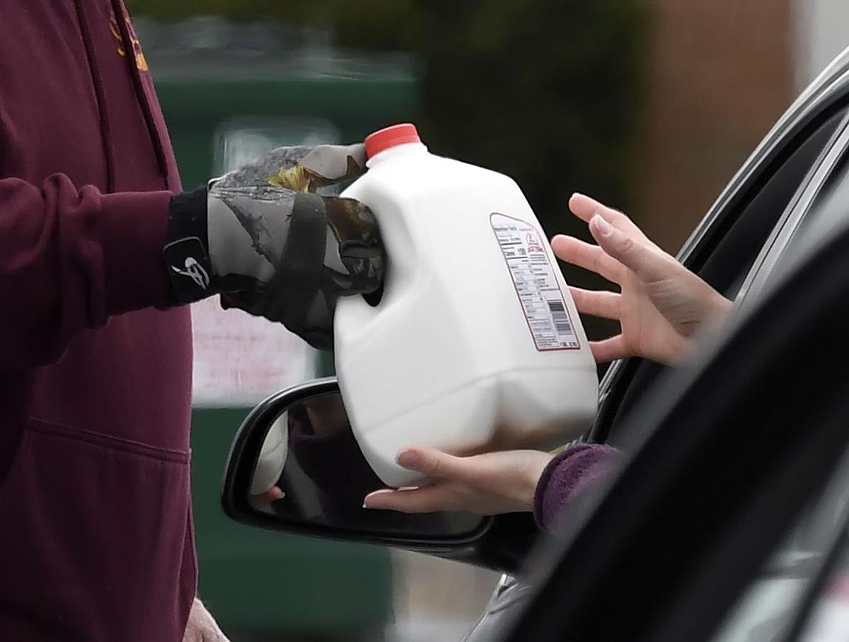Milk Giveaway in New Holland