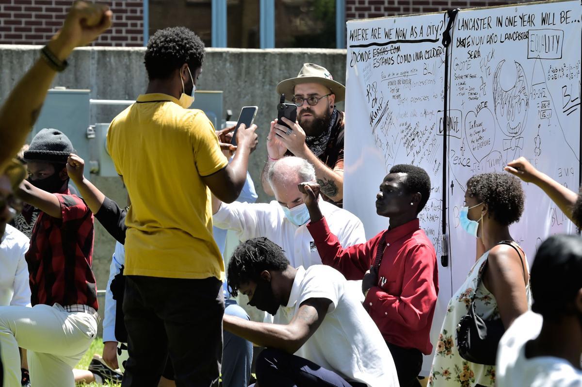 Bob Casey Protesters 3.jpg