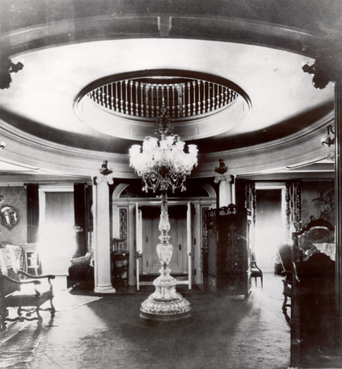 Liv Hershey Mansion Vintage 8 D20.jpg