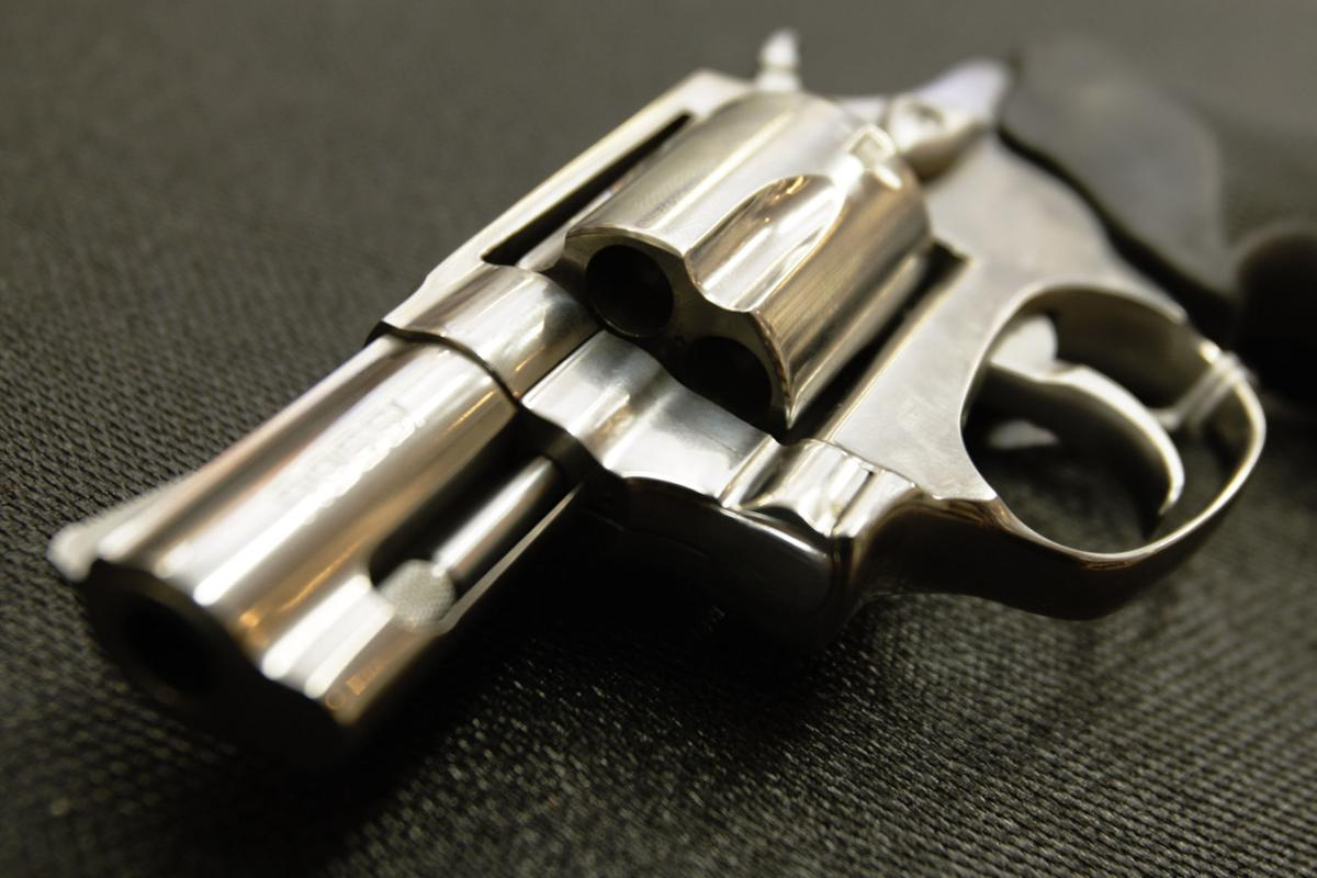Victim follows robber until he pulls out gun to get away in