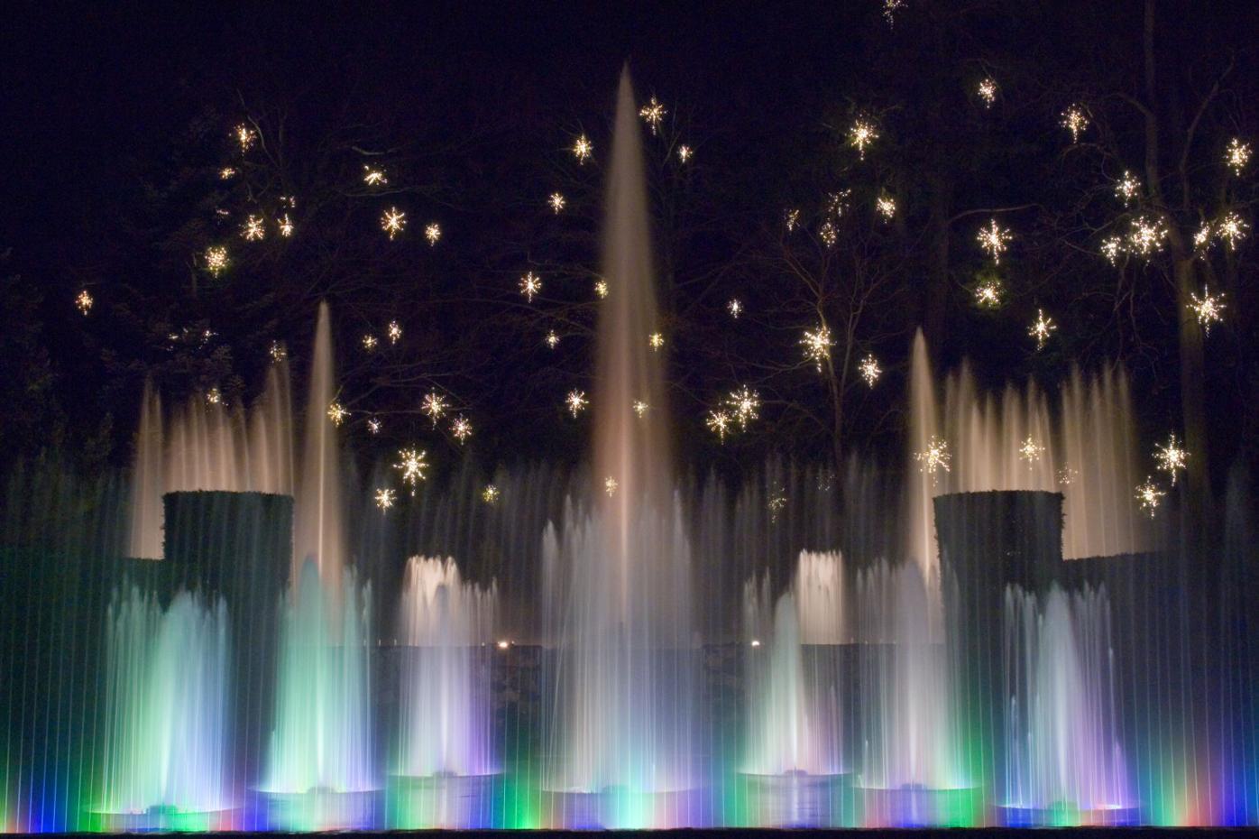 A Longwood Christmas fountain