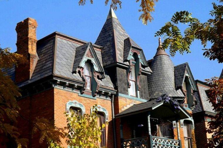 Eastlake Style roof