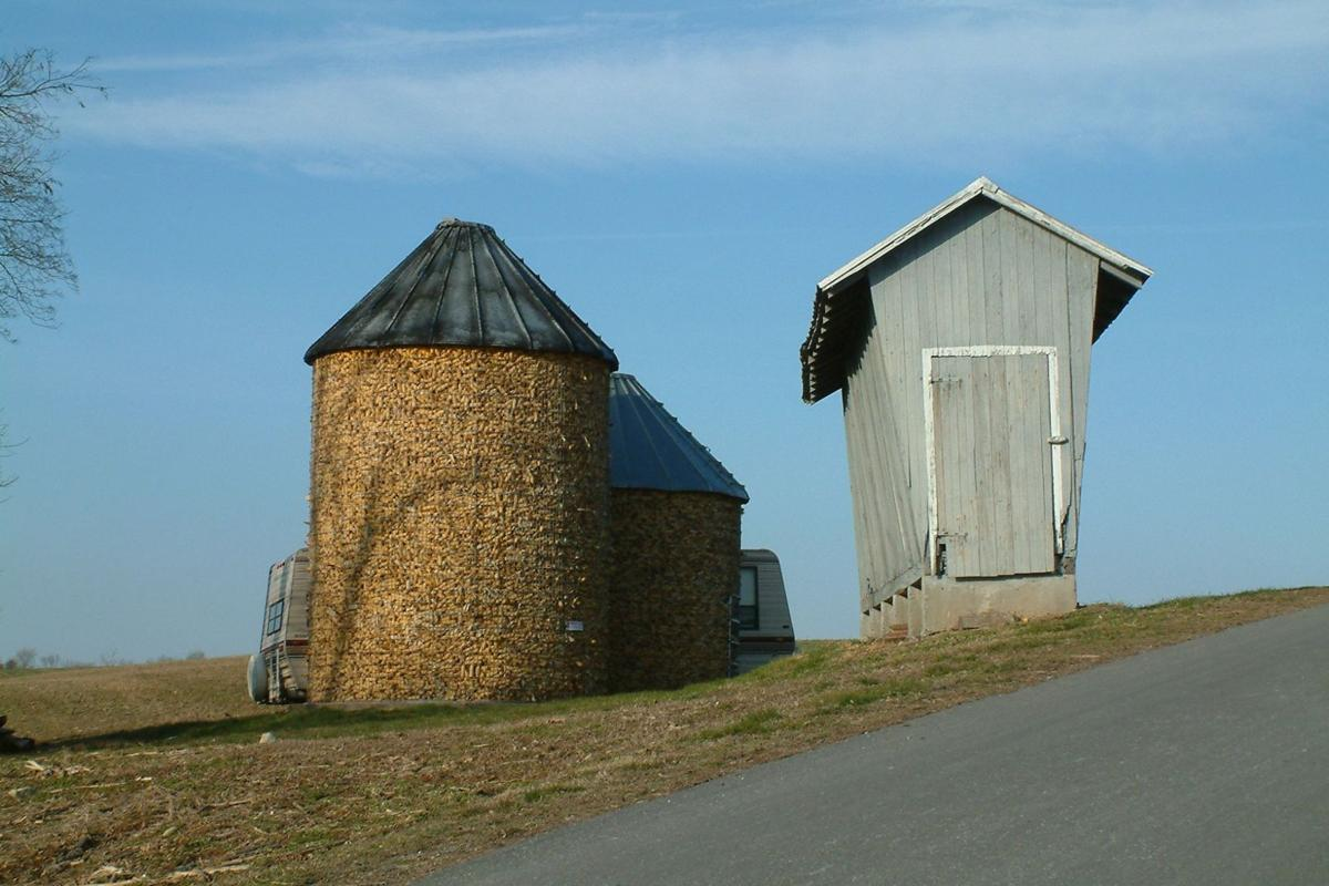 Corn Crib Lancaster County.jpg