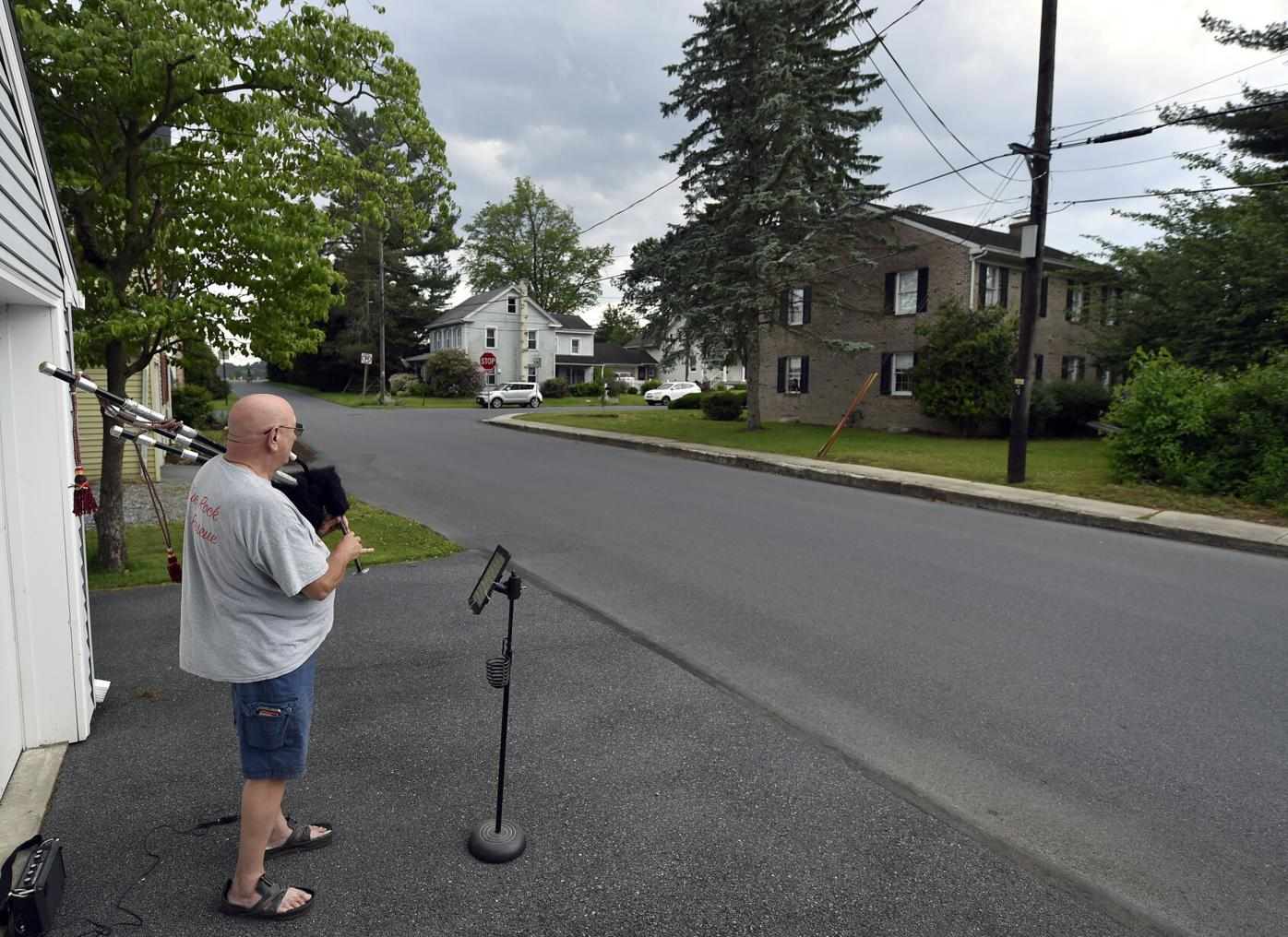 Bagpipes in Rohrerstown